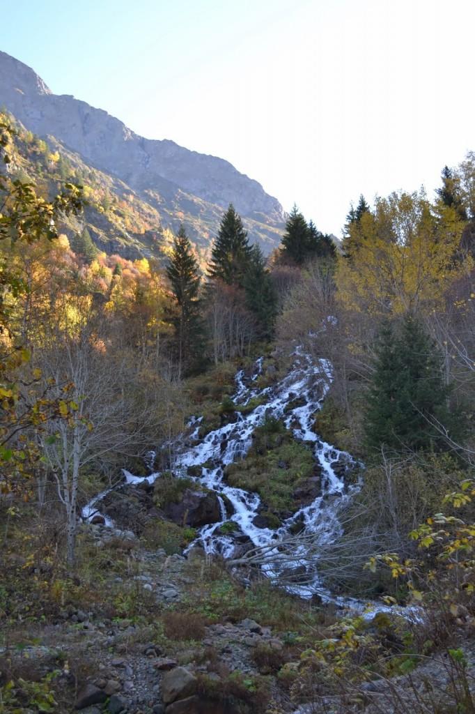 cascade lac lauvitel
